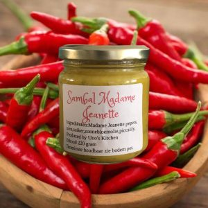 Sambal Madam Jeanette Uno's Kitchen lekker pittig Surinaamse sambal roti